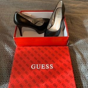 Guess Black Size 8 Patent Leather Pumps